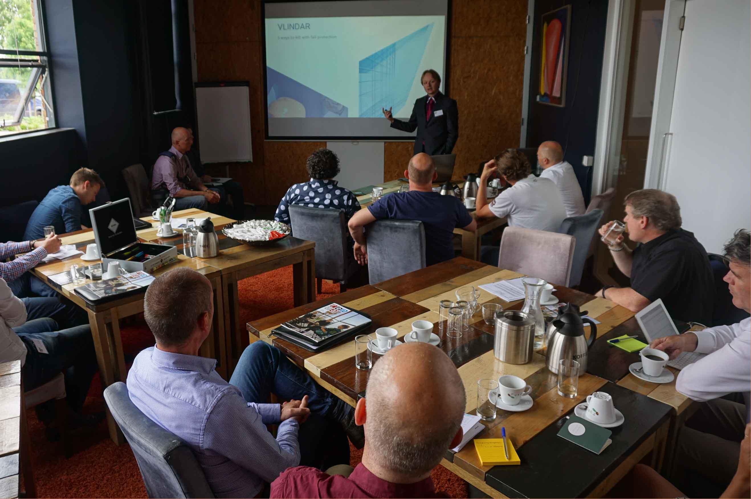 Vlindar-Elko-Petten-geeft-workshop-veilig-werk-op-hoogte