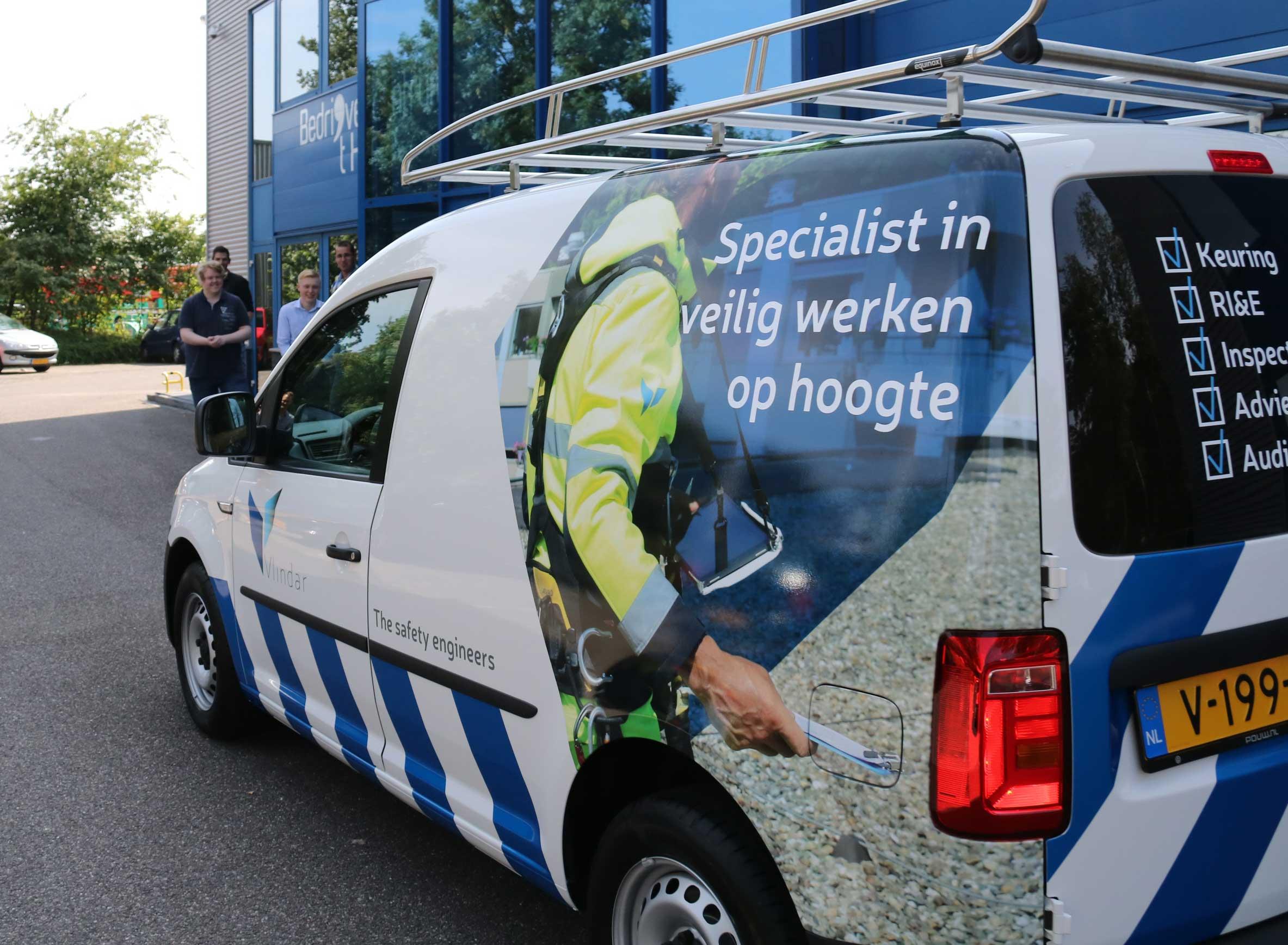 Inspectie-Veilig-werken-op-hoogte-Vlindar-nieuwe-bus-veilig-werken-op-hoogte-veiligheidsinspectie