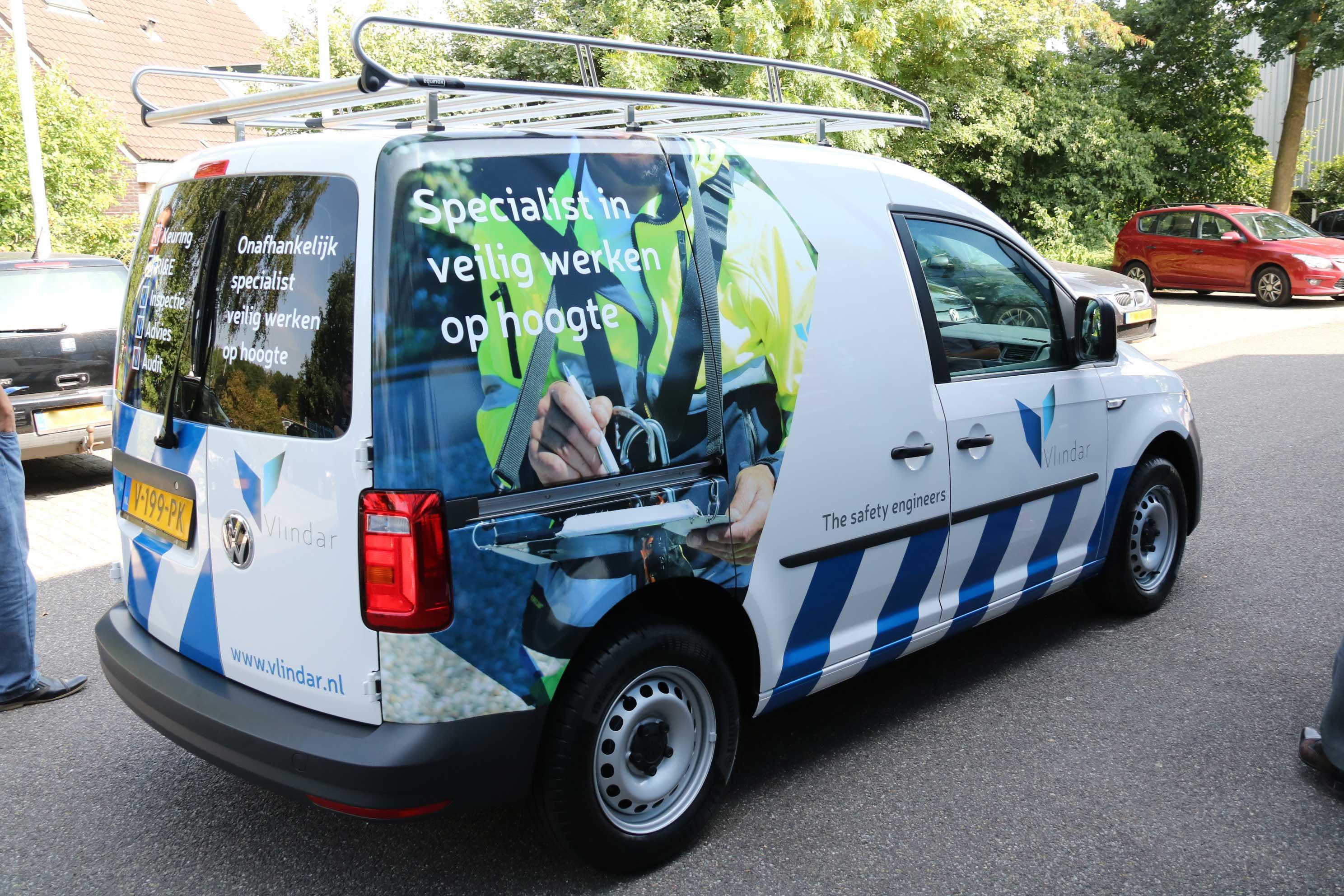 Inspectie-Veilig-werken-op-hoogte-Vlindar-nieuwe-bus